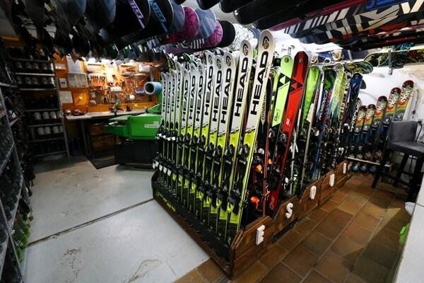 Las mejores tarifas en equipos de esquí y snowboard