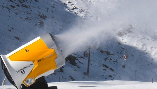 Cañones de nieve en Sierra Nevada